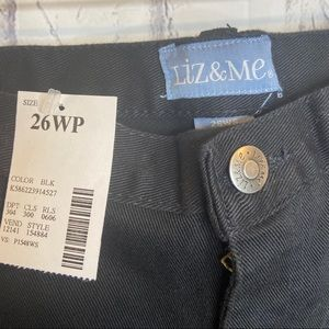 NEW Liz and me black 26WP jeans